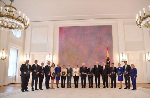 Bundeskanzlerin Angela Merkel präsentiert das neue Kabinett der Bundesregierung. Foto: dpa