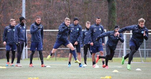 Die Stuttgarter Kickers haben am Sonntag das Training wieder aufgenommen. Foto: Pressefoto Baumann