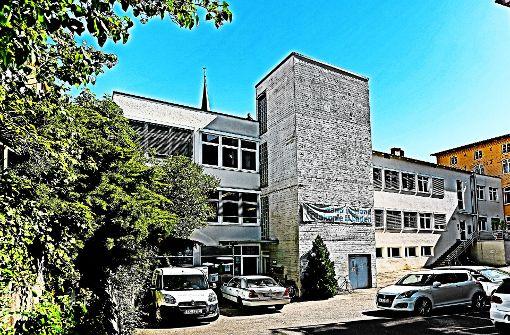 In der Küferstraße 13/1 sind die Besitzverhältnisse eindeutig. Das Gebäude, in dem unter anderem der Diakonieladen untergebracht ist, gehört einer Einzelperson. Foto: Horst Rudel