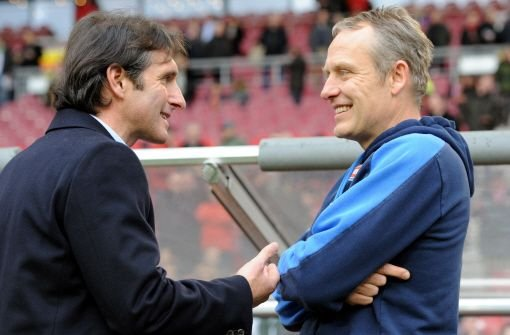 VfB-Stuttgart-Trainer Bruno Labbadia (links) und der Coach des SC Freiburg, Christian Streich Foto: dpa