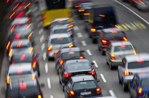 Auf der A8 staute sich der Verkehr (Symbolfoto). Foto: Max Kovalenko