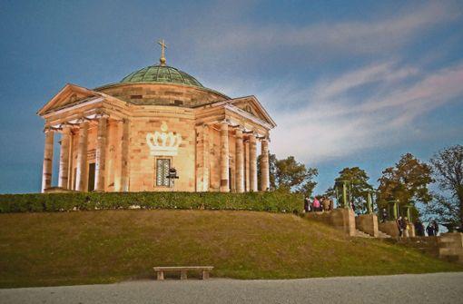 So schön erstrahlt die Grabkapelle zum Volksfest