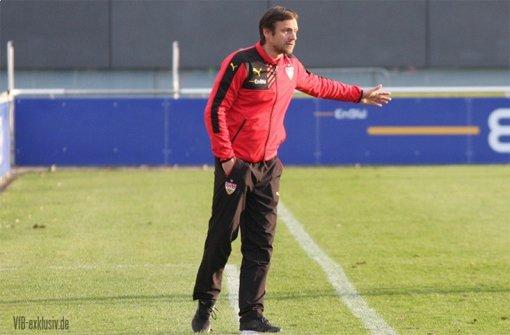 VfB-Trainer Heiko Gerber hat derzeit einen einfachen Job: Seine Mannschaft eilt von Sieg zu Sieg und befindet sich nach dem 1:0-Erfolg in Hoffenheim auf direktem Wege, die DM-Endrunde zu erreichen. Foto: Lommel