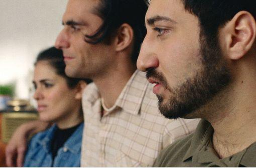 """Ungleiche Geschwister: Mina Özlem Sagdic, Murat Seven und Sasun Sayan (von links) in """"Haus ohne Dach Foto: Verleih"""