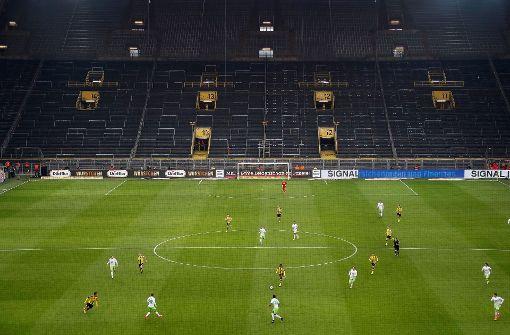 Gesperrte Südtribüne schmerzt Borussia Dortmund