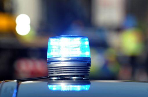 Gegen Ampel gerammt - Mann schwer verletzt