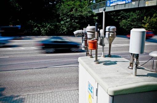 Feinstaubmessung am Neckartor in der Stuttgarter Innenstadt. Foto: Peter-Michael Petsch