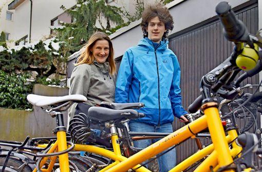Ethel Perivoitos und ihr Sohn Peter legen auch weite Strecken mit dem Fahrrad zurück. Berge schrecken sie nicht ab. Foto: Leonie Schüler