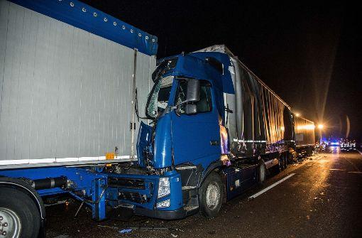 Schwerverletzte nach Lkw-Unfällen