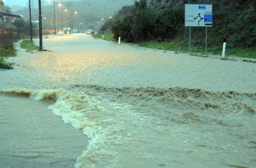 Das Unwetter hat auf der italienischen Mittelmeerinsel Sardinien einige Menschen in den Tod gerissen. Foto: dpa