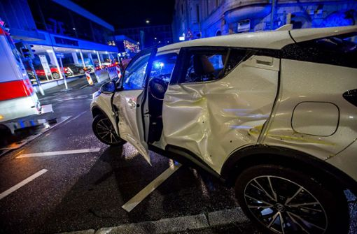Zwei Menschen wurden bei dem Unfall leicht verletzt. Foto: 7aktuell.de/Simon Adomat