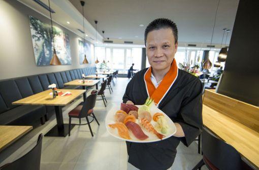 Sushi One in Stuttgart-Mitte – In der City gibt es seit Oktober ein neues japanisches Lokal. Es ist nicht in Eins-a-Lage, aber einen Besuch wert, auch wenn die Speisekarte noch ein wenig unüberichtlich ist. a href=https://www.stuttgarter-nachrichten.de/inhalt.restaurant-test-sushi-one-in-s-mitte-ein-herz-fuer-japanische-kultur.bd88f143-c7e1-4900-8702-bd3e7e3a7375.html target=_blankHier geht es zum Test/a. Foto: Lichtgut/Leif Piechowski