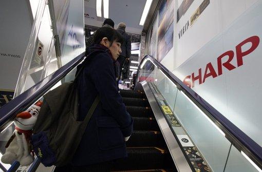 Apple-Partner Foxconn zögert mit Übernahme von Sharp