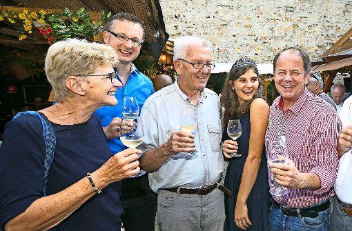 Mit Winfried Kretschmann auf dem Weindorf