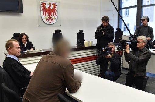 Bewährungsstrafe für Nazi-Tattoo