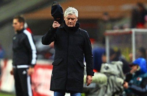 Die Stimmung ist angespannt in Frankfurt, auch bei Ex-VfB-Trainer Armin Veh. Foto: Getty