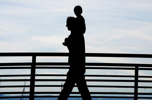 Immer mehr Väter beantragen Elterngeld