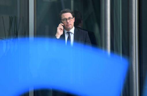 "Verkehrsminister kündigt ""sehr ernste"" Gespräche mit Autoindsutrie an"