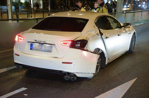 Fahranfänger baut mit geliehenem Maserati Unfall