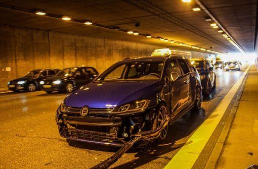 Zwei Unfälle im Engelbergtunnel verursachen Stau
