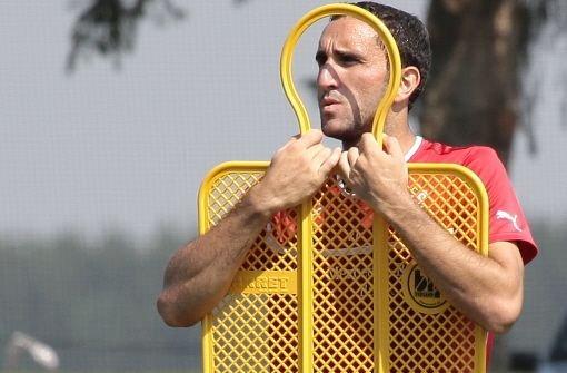 Cristian Molinaro: Note 3,5brWar der Spieler mit den meisten Ballkontakten im Spiel (91). Foto: Pressefoto Baumann