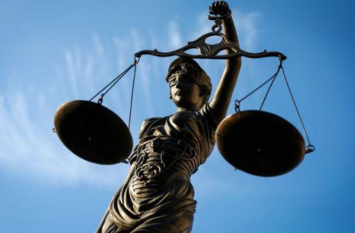 Justitia vor der schwierigen Frage: War  es eine Vergewaltigung oder einvernehmlicher Sex? Foto: dpa