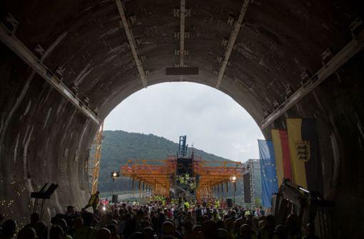 Bahn feiert Durchschlag des Boßlertunnels