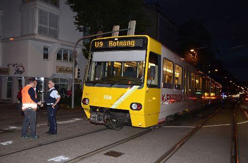 Durch den Unfall kam der Stadtbahn-Verkehr zwischen der Schwab-/Bebelstraße und Vogelsang zum Erliegen.  Foto: Andreas Rosar Fotoagentur-Stuttg