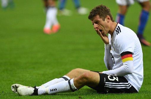 Thomas Müller: Im Nationaltrikot schon wieder ohne Treffer – vielleicht klappt's ja am Samstag im Bundesliga-Gipfel der Bayern gegen Borussia Dortmund. Foto: dpa