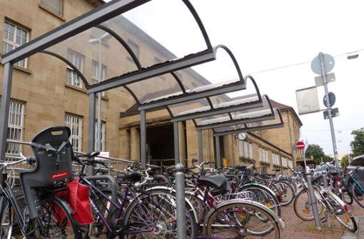 Fahrrad-Parkhaus am Bahnhof gefordert