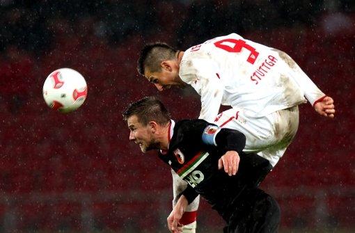 Vedad Ibisevic zeigte gegen Augsburg  Treffsicherheit. Klicken Sie sich durch unsere Noten für die Roten. Foto: Pressefoto Baumann