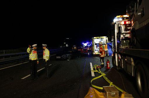 Schwerer Unfall mit mehreren Verletzten führt zu Vollsperrung