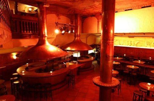 Das Classic Rock Café in Stuttgart verspricht neben klassischer Rockmusik aus den vergangenen 30 Jahren American Style Food mit Burgern, für die die Gäste beide Hände benötigen (a href=http://www.classicrockcafe.de/index.php?page=inhalte/Startseite/Startseite target=_blankwww.classicrockcafe.de/a). Foto: Classic Rock Café