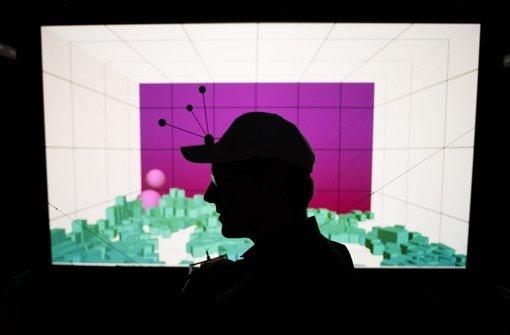 Virtual Reality Labor des Welfenlab der Leibniz Universität in Hannover (Niedersachsen). Im Welfenlab werden neue Wege erforscht, verschiedene Gesundheitsdatenquellen in 3D-Grafiken anzuzeigen und zu bearbeiten. Das Welfenlab stellt dieses Jahr seine Forschungen auf der weltgrößte Computermesse Cebit aus Foto: dpa