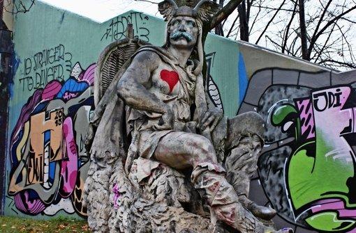 """""""Wehrstand"""" hat etwas Farbe von der nahe gelegenen Hall of Fame abbekommen. Foto: Baur"""
