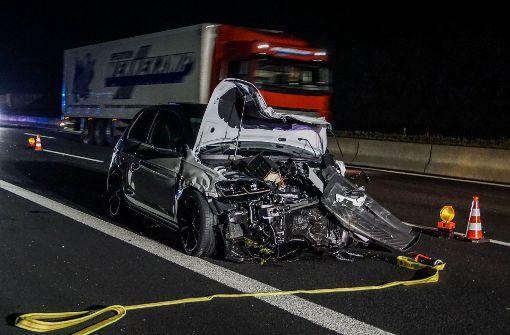Am Montagabend kam es auf der A8 bei Rutesheim zu einem schweren Unfall. Foto: SDMG