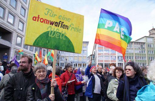 Die Menschen haben für eine atomwaffenfreie Welt demonstriert. Foto: Andreas Rosar Fotoagentur-Stuttg