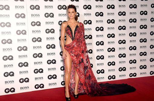 XXL-Cutouts und viel Haut – Kate Beckinsale erfreute mit ihrer Robe die Fotografen. Foto: Getty Images Europe