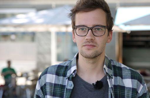 """Marcel Roth aus Stuttgart ist Teil der """"Netzfeuerwehr"""""""
