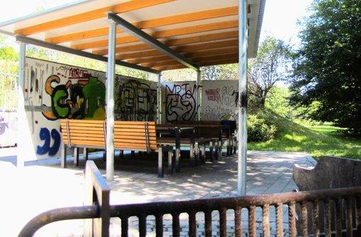 Der Grillplatz darf mit Graffiti verschönert werden