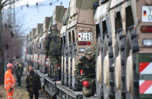 Panzer aus Baden-Württemberg auf dem Weg nach Litauen