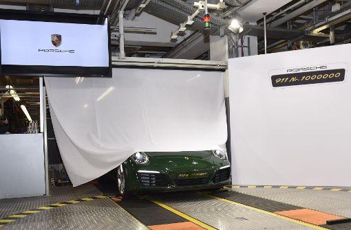 Hier rollt der millionste Porsche 911 vom Band. Foto: 7aktuell/Eyb