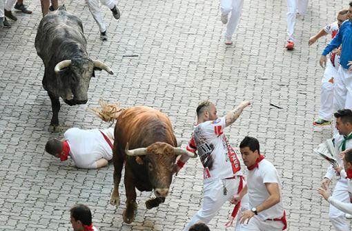 Mehrere Menschen wurden am Wochenende bei der Stierhatz in Pamplona verletzt. Foto: AFP