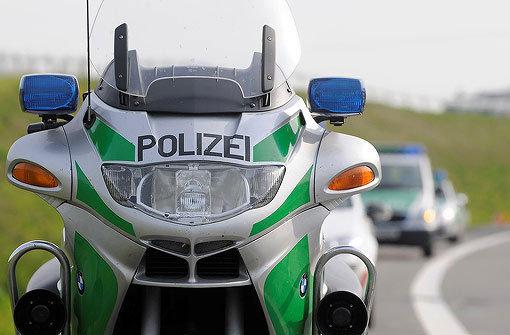 Motorradfahrerin stirbt nach Unfall