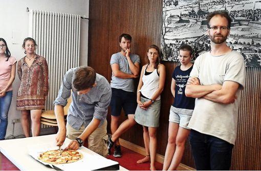 Matheunterricht mit Pizza und Zollstock