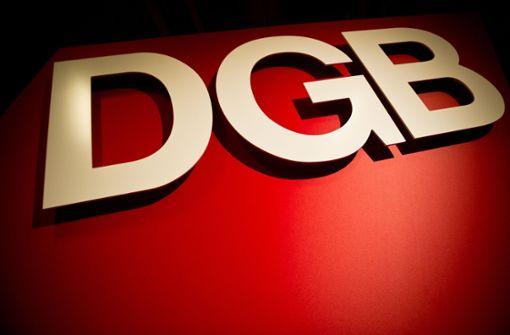 DGB fordert kostenloses Azubi-Ticket