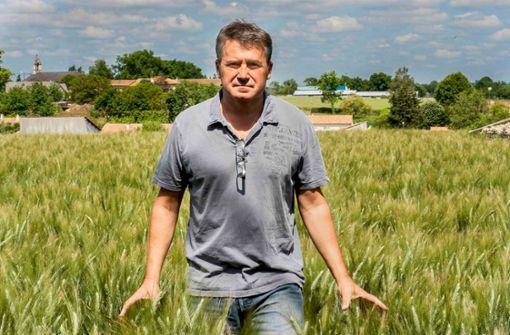 Paul François auf seinem Gut im westfranzösischen Bernac. Der Landwirt sagt, nach einem Unfall mit einem Herbizid Monsantos sei sein Immunsystem stark geschwächt, außerdem habe er Gedächtnislücken. Foto: Phyto-Victimes