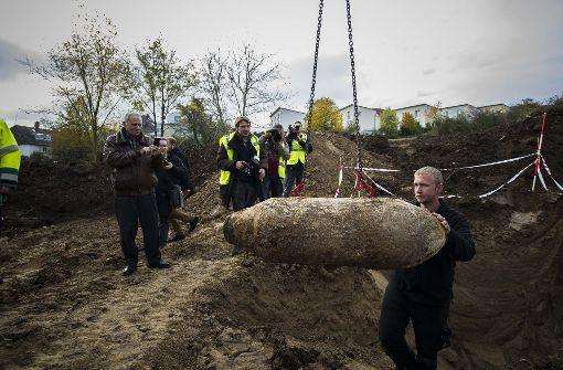 In Friedhofsnähe wird eine Bombe vermutet