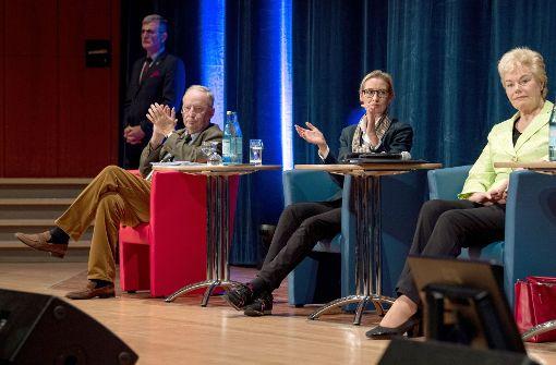 In Pforzheim präsentierten sich das AfD-Spitzenduo Alexander Gauland und Alice Weidel (mitte).  Foto: dpa