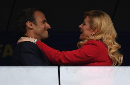 ... und eine Gratulation für den französischen Präsidenten nach dem WM-Sieg der Équipe Tricolore. Foto: AFP